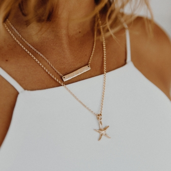 Gold Medium Starfish Necklace detailed