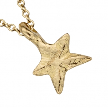 Gold Mini Star Necklace detailed