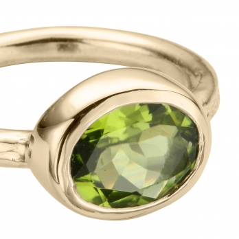 Gold Peridot Baby Treasure Ring detailed