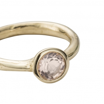 Gold Rose Quartz Baby Stone Ring detailed