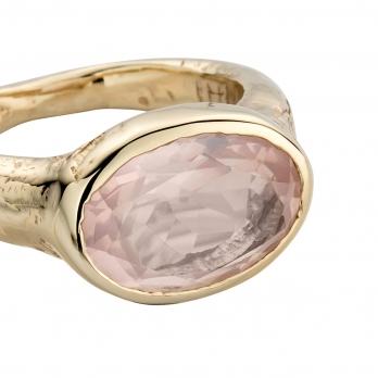 Gold Rose Quartz Treasure Ring detailed