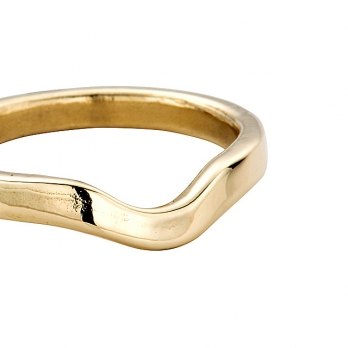 Gold Ladies Wave Wedding Band detailed