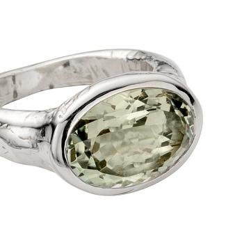 Silver Green Quartz Treasure Ring detailed