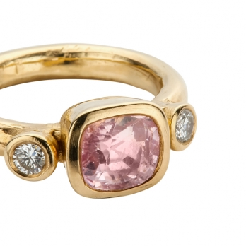 HATHOR Pink Sapphire & Diamond Gold Ring detailed