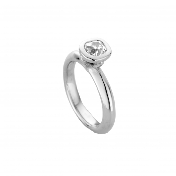 The Säntis Platinum Diamond Ring  detailed