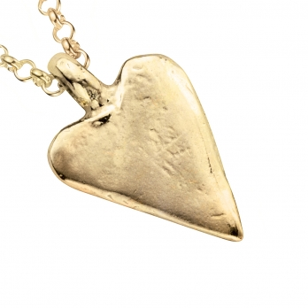 Gold Medium Heart Necklace detailed