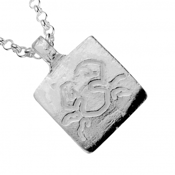 Silver Medium Cancer Horoscope Necklace detailed