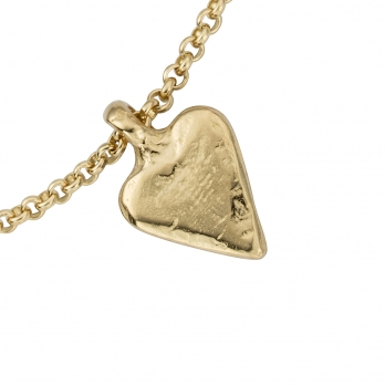 Gold Mini Heart Chain Bracelet detailed