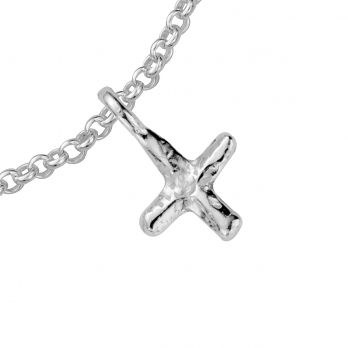Silver Mini Kiss Chain Bracelet detailed