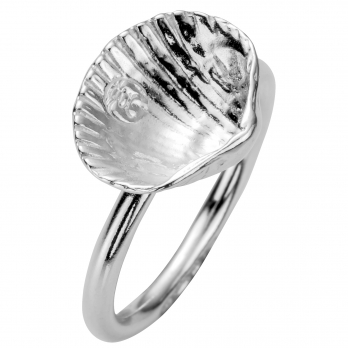 Silver Love Struck Mini Shell Ring detailed