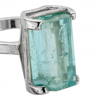 NERISSA White Gold Aquamarine Claw Ring detailed