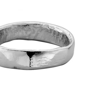 Mens Platinum Midi Posey Ring detailed