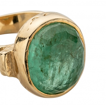 ROMAN Gold Emerald Ring detailed