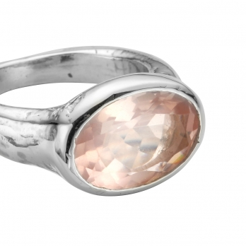 Silver Rose Quartz Treasure Ring detailed