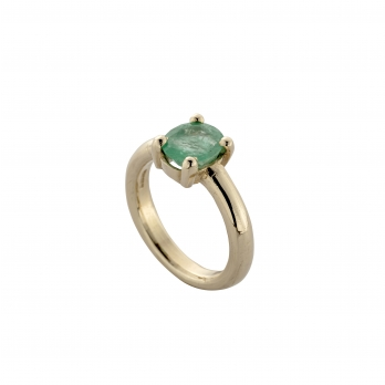 SEDNA Gold Emerald Claw Ring detailed