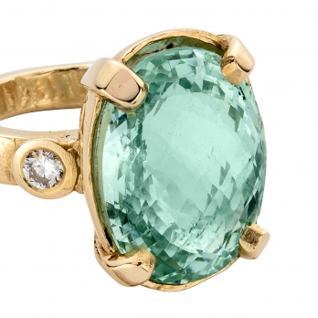 SOFIA Aquamarine & Diamond Claw Ring detailed