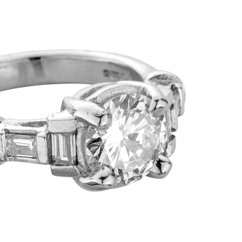 The EIGER Platinum Diamond Ring detailed