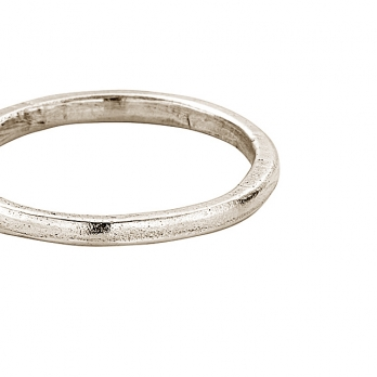 Simple White Gold Wedding Band detailed